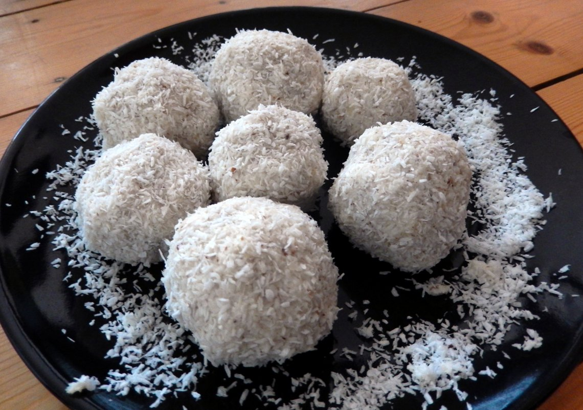 Low Carb Raffaellos (2)