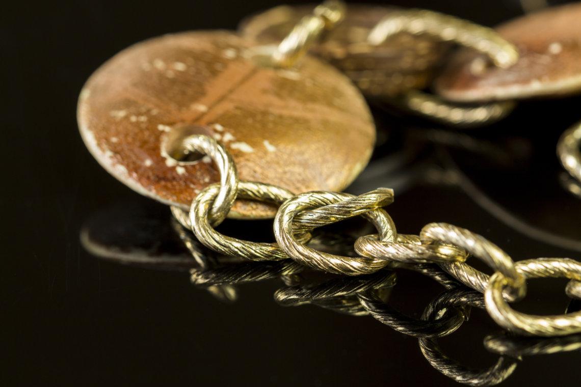 Close up Golden Chain Fashion Accessories