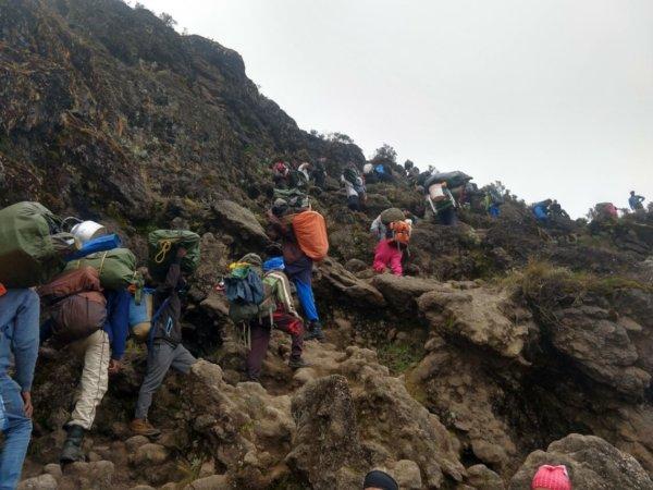 Mit Diabetes auf den Kilimandscharo - Bilge hat es gewagt